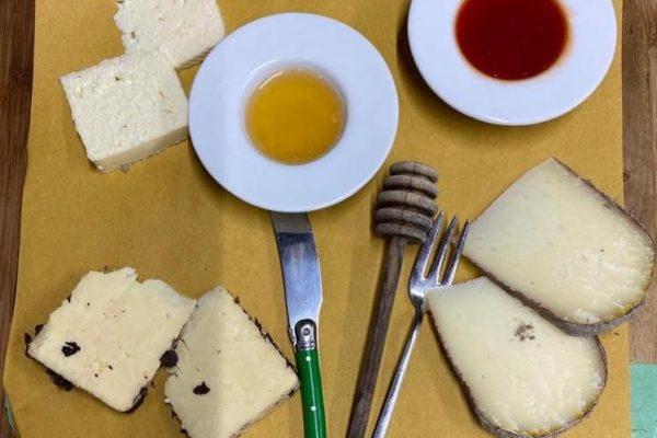 Tagliere di Formaggi pecorini Toscani